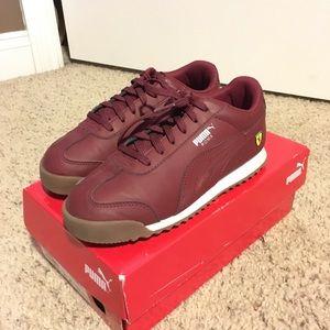 Puma Roma boys Ferrari shoes. Size 3.5